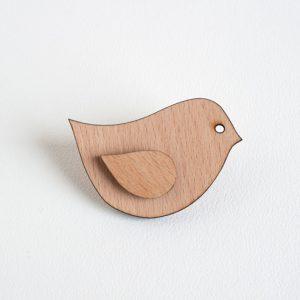 houten broche vogel